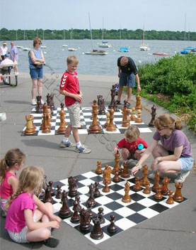 giant_chess_summer
